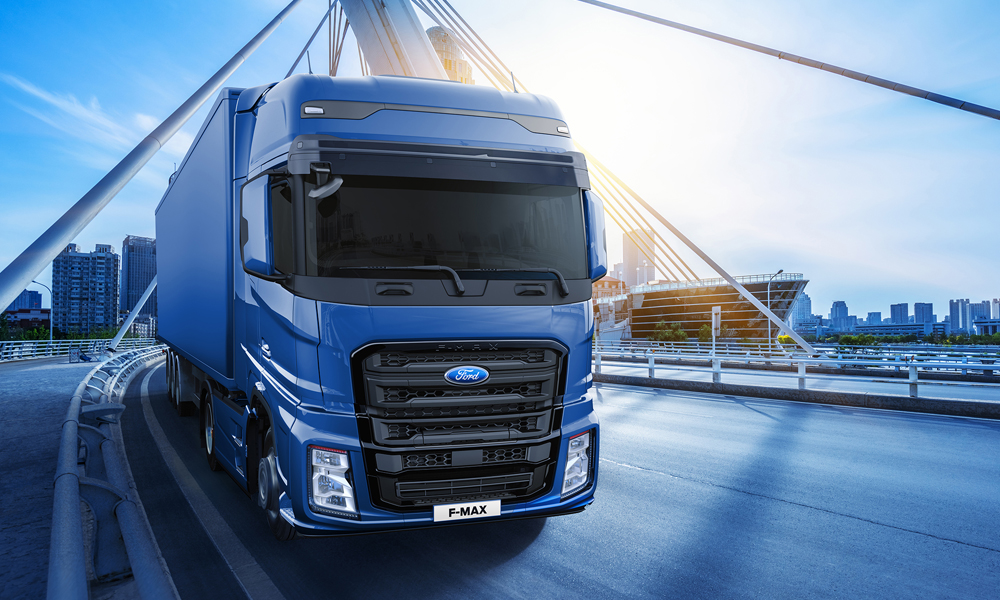 Truck Of The Year >> F Max Scoops Ford S First International Truck Of The Year