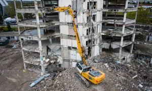 Liebherr introduces R 940 Demolition crawler excavator